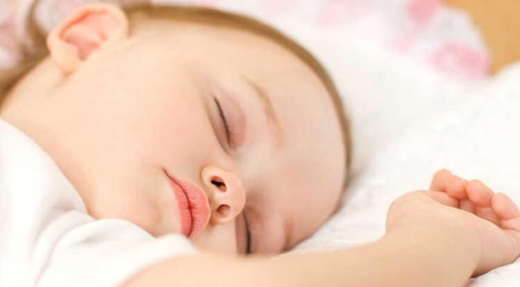 elterliche n he beim schlafen ist wichtig der mibaby ratgeber familienbett babybucht und co. Black Bedroom Furniture Sets. Home Design Ideas