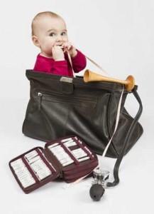 Medizintasche und Baby