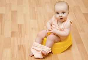 Baby mit gelbem Töpfchen_mini