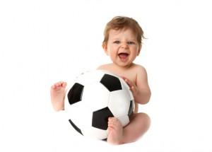 Baby mit Fussball 3