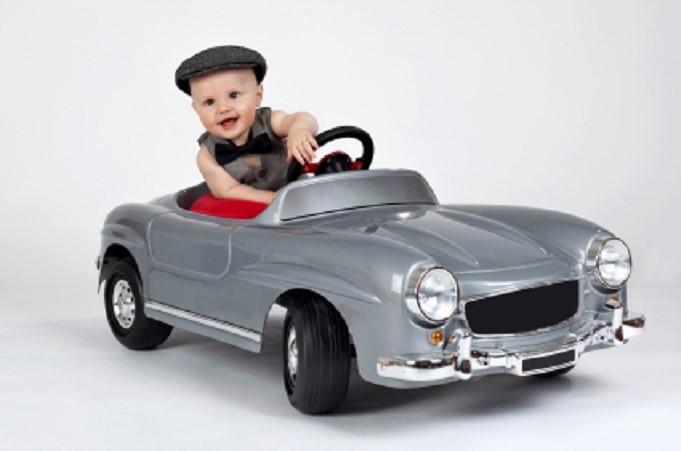 kleiner Autofahrer