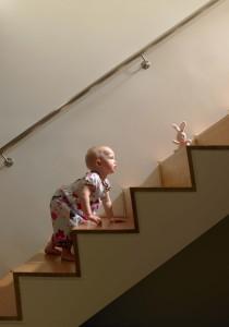 Baby Treppe steigen