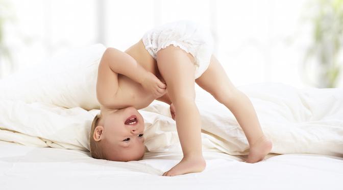 baby richtig wickeln 10 tipps wie es klappt mibaby magazin ratgeber testberichte f r. Black Bedroom Furniture Sets. Home Design Ideas