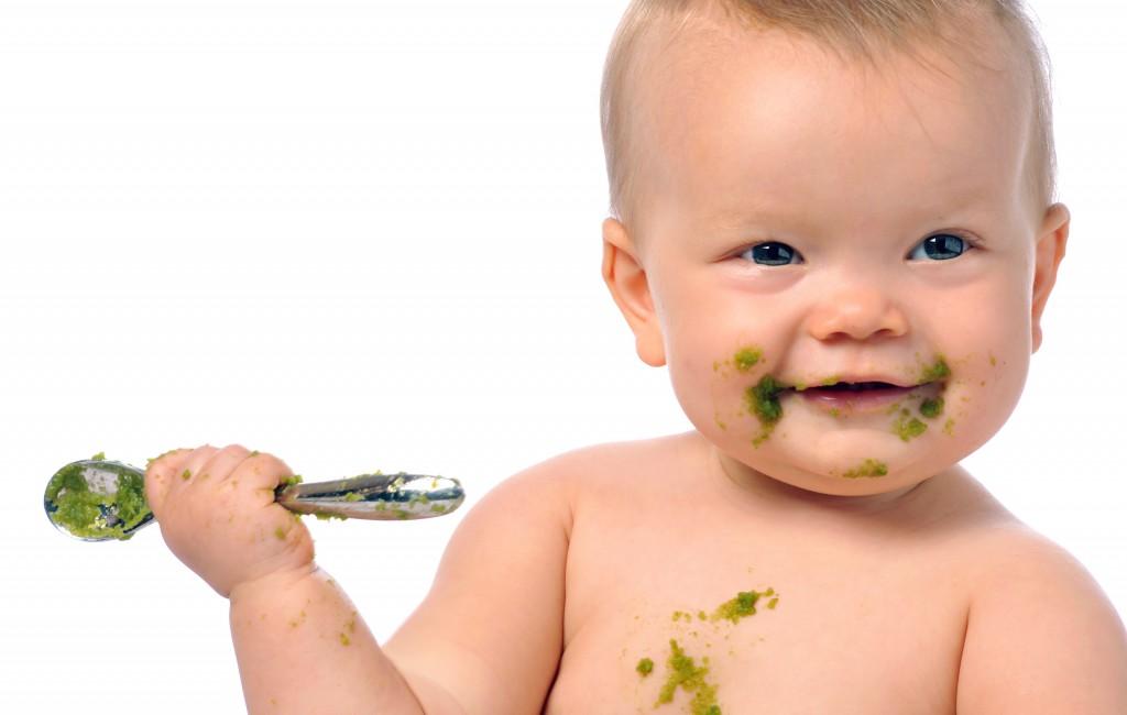 Baby_grüner_Brei_Löffel Kopie (1)