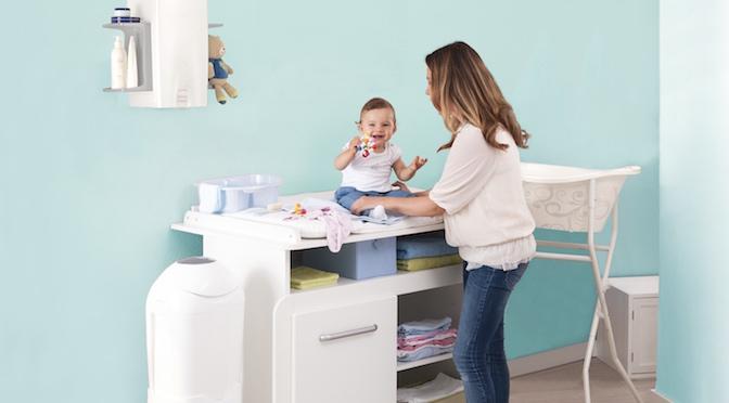 organisation am wickeltisch perfekt gel st mit rotho babydesign mibaby magazin ratgeber. Black Bedroom Furniture Sets. Home Design Ideas